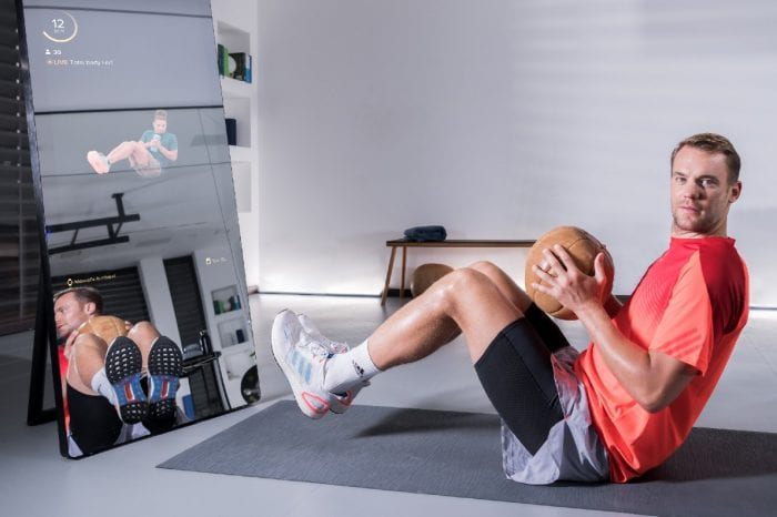 Interaktiver Fitnessspiegel: Manuel Neuer beteiligt sich an Vaha